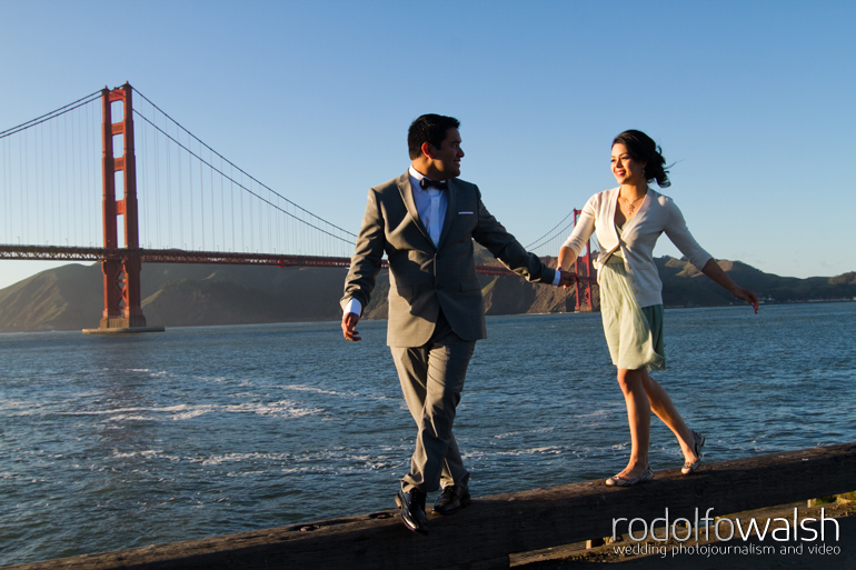 san-francisco-golden-gate-bridge-destination-wedding-photographer-photojournalism-engagement-portraits