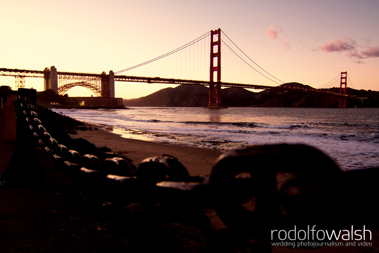 golden-gate-bridge-destination-wedding-photographer-photojournalism-engagement-portraits