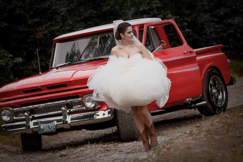 Bride with cowboy boots and classic pick up truck- Guatemala weddings photographer