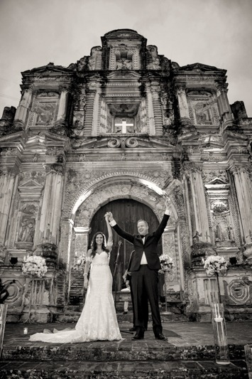 TC-1261 Wedding at La Ermita de la Santa Cruz in Antigua Guatemala - Destination wedding photographer Antigua