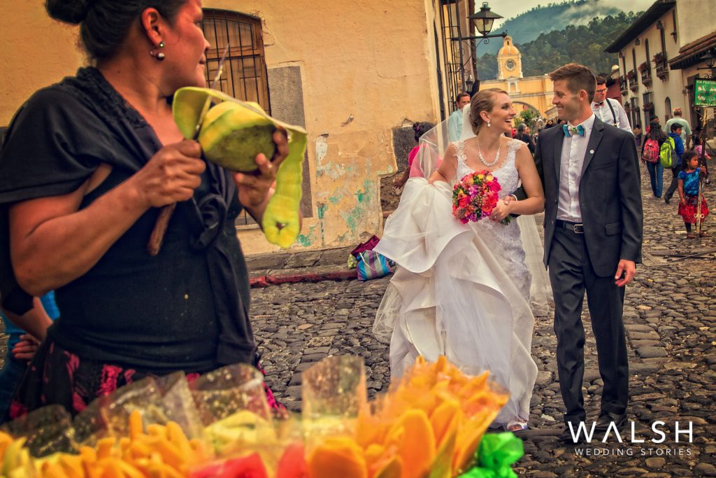 antigua guatemala wedding photos-bride and groom in the calle del arco in antigua