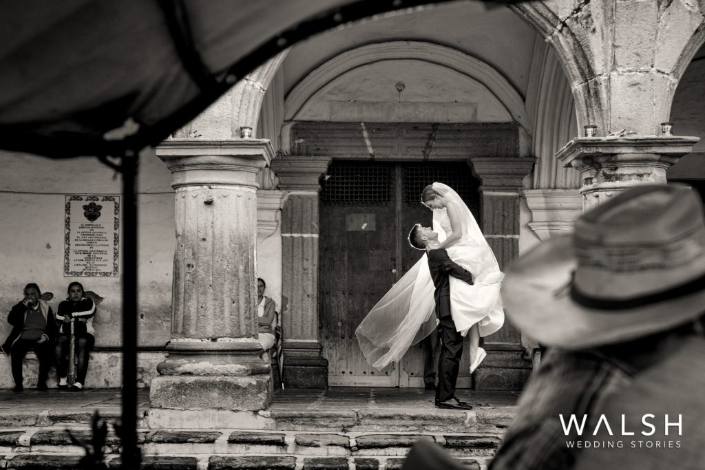 antigua guatemala weddings-wedding photos in antigua central park